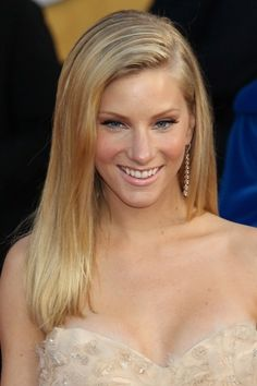 Heather Morris straight, blonde hairstyle