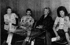 左からジョン・ディーコン、フレディ・マーキュリー、ロジャー・テイラー、ブライアン・メイ