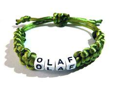 Armbänder - Namens-Armband mit Makramee-Band oliv - ein Designerstück von csoMunich bei DaWanda