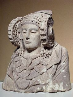 - La Dama de Elche . Siglos V-lV a.C. Cultura Iberica . Museo Arqueológico Nacional de España , Madrid ./tcc/