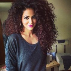 Annie Khalid I love her hair!!! um...hello, why are we not friends?? we have the same hair. please tell me your secrets!