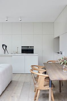In between chair by for in a white oiled oak finish seated elegantly inside directors home in Melbourne. Interior Design Awards, Best Interior Design, Living Room Interior, Kitchen Interior, Barber Shop Interior, Sweet Home, Shabby Chic Living Room, Building A New Home, Beautiful Living Rooms