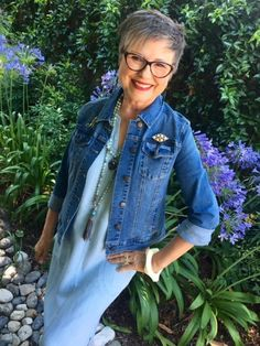 Welcome to our latest edition of Ageless Style. The last Thursday of every month, Elizabeth, of The Vintage Contessa, and I interview someone we feel embraces their own style at any age. Fashion Over 50, Star Fashion, Womens Fashion, Ladies Fashion, Fashion Edgy, Classic Fashion, French Fashion, Fashion Fall, Modest Fashion