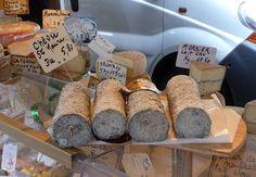 The Bayeux market - Chez Loulou #Bayeux #France