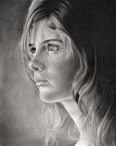 Girl Portrait - Camino Drawing - wow, lighting/shading is amazing.