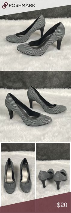 """💥Apt. 9 black & white gingham heels/ pumps Apt. 9 black/ white gingham heels/ pumps •Fabric is a checkered pattern •Lightly padded leather footbed •Rounded toe •Worn once- excellent condition! •3.5"""" heel •size 7.5  👠 Check out more heels in my closet 👠 ⚜️ Same/next day ship ⚜️ 🐲 Smoke-free 🐲  I do not discuss price in the comments, use the offer button please Apt. 9 Shoes Heels"""