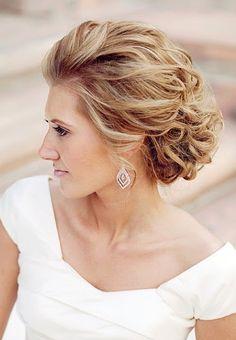 Bride hair up-do