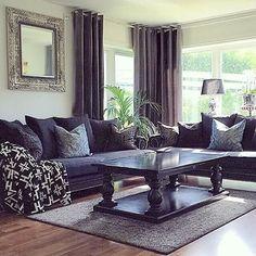 Superfint hos @saramilshome  #salongbord og #speil fra @classicliving  Repost  #myhome #mitthjem #dream_interiors #interior444 #interior123 #interior4all #livingroom #classicliving #interior_and_living #interiordesign #interior4you1 #interior9508 #homedesign #interiorharmoni #charminghomes #shabbyyhomes #glaminterior1 #inspire_me_home_decor #inspohome #instafollow #followme #hellinterior1 #ourluxuryhome #home_and_decor1 #interior125 #hem_inspiration #finehjem #unike_hjem