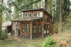 Burnt Hill Retreat – Small, cozy, rustic cabin in Sequim on Palo Alto Rd approx miles south from hwy near Olympic Mountains and Port Townsend, WA state. Small Tiny House, Tiny House Cabin, Tiny House Living, Cabin Homes, Log Homes, Small Homes, Tiny Cabins, Cabins And Cottages, Little Cabin