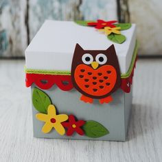 I am Katie and am a Creative Designer for Sizzix. I specialize in papercraft design and love to create cards, home décor and scrapbook layouts. Creative Gift Wrapping, Creative Gifts, Summer Crafts For Kids, Magic Box, Biscuit, Explosion Box, Pillow Box, Party In A Box, Handmade Birthday Cards