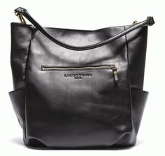 This is Jane Wayne x Liebeskind - just came across this PERFECT bag and cannot find it anywhere....limited edition! Anybody knows where to buy??