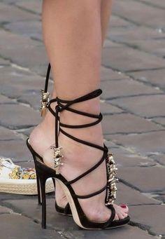 Stiletto Heels, Shoes Heels, Beautiful High Heels, Female Feet, Sexy Feet, Black Sandals, Womens Fashion, Erotic, Handle