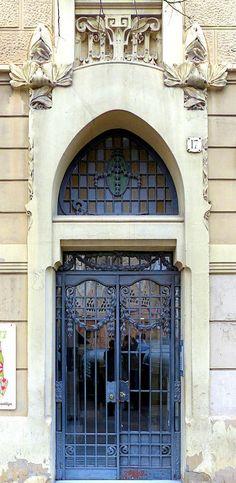 Casa Pau Munmany   1915  Architect: Guillem Busquets i Vautravers