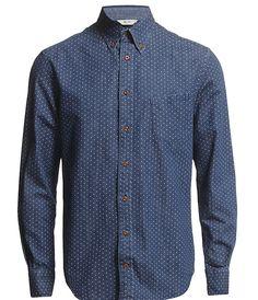 Skjorter til arbejde. Gerne en god kvalitet der ikke krøller så nemt. Evt. gavekort til HerningCentret