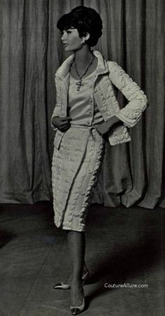 Couture Allure Vintage Fashion: Weekend Eye Candy: Chanel Suit, 1965