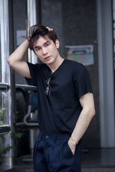Cute Actors, Handsome Actors, Handsome Boys, Asian Boys, Asian Men, Thai Drama, Boyfriend Goals, How To Pose, Asian Actors