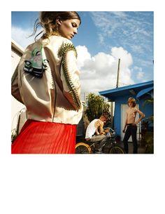 Vogue Spain April Photographer Greg Kadel, Stylist Havana Laffitte, Hair Chi Wong, Make-up Mariel Barrera, Model Cameron Russell. Cameron Russell, Greg Kadel, Fashion Sites, Fashion Models, Love Fashion, Womens Fashion, Fashion Design, Retro Fashion, Vogue Spain