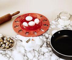 Avis aux amateurs de design et aux gourmands de créativité. Découvrez un art (de la table) pas comme les autres et préparez Noël avec nos idées cadeaux originales.