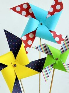Giant Paper Pinwheels kids paint crafty kids crafts paper crafts pinwheels crafts for kids summer activities summer activities for kids kids activities for summer kids crafts for summer sidewalk paint Easy Crafts For Teens, Fun Easy Crafts, Summer Crafts For Kids, Paper Crafts For Kids, Spring Crafts, Hobbies And Crafts, Paper Crafting, Diy And Crafts, Diy Paper