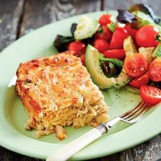 Mari Walters van Graafwater is die wenner van ons bakkompetitise se afdeling vir iets souts. South African Recipes, Ethnic Recipes, Cooking Recipes, Healthy Recipes, Yummy Recipes, Savoury Baking, Fish Dishes, Fish And Seafood, Macaroni And Cheese