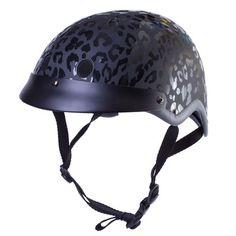Madison Helmet Black by Sawako Furuno