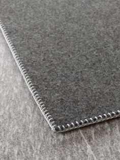 Unito – Paola Lenti | | rug embroidered by hand, felt 100% pure virgin wool