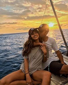Glimpse Into Heaven Summer Love Couples, Summer Couple Pictures, Cute Things Couples Do, Boating Pictures, Cute Couple Poses, Couple Things, Couple Pics, Cute Couples Goals, Beach Love Couple