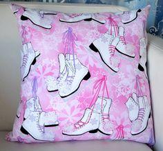 Almofada menina, tecido importado