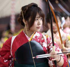 Setting an arrow. KYUDO, the modern Japanese martial art of archery.  Located : Sanju-sangen-do Temple, Higashiyama, Kyoto.  Jan 17, 2016.  Text and photography by Teruhide Tomori on Flickr