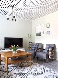 Vintage livingroom. Wooden House, Dining Bench, Sweet Home, Living Room, Furniture, Home Decor, Vintage, Dining Room Bench, Decoration Home