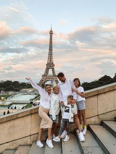 Nike in Paris Christine Andrew from Hello Fashion shares the one travel style brand that they rely on for all their trips and more from the Nike White collection. Life Goals Future, Future Mom, Dear Future, Family Goals, Family Life, Happy Family, Family Of 5, Rich Family, Funny Family