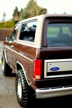 1982 Ford Bronco by Justin Rytel Ford Bronco Lifted, Old Ford Bronco, Bronco Truck, Classic Bronco, Classic Ford Broncos, Classic Trucks, Old Pickup Trucks, Big Rig Trucks, Lifted Ford Trucks