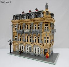 A LEGO blog featuring fan made architecture creations, Landmark Directory and more.