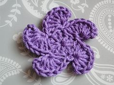 whirly flower crochet pattern ~ FREE - CROCHET - this is so unique - love it - so different.