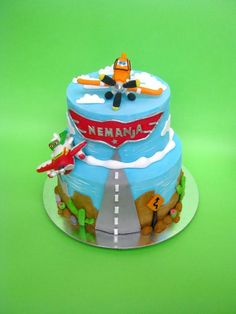 Disney planes cake - For all your cake decorating supplies, please visit… Disney Planes Cake, Disney Planes Birthday, Disney Cakes, Airplane Birthday Cakes, Birthday Cupcakes, 4th Birthday, Birthday Ideas, Dusty Cake, Movie Cakes