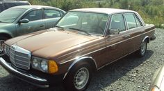 1978 mercedes, exactly like my first car only it was pea soup green...