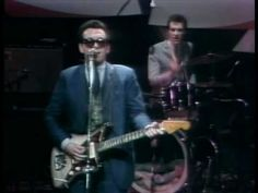 Elvis Costello - New lace sleeves