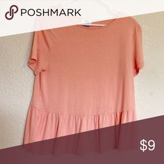 Old Navy Peach Peplum Top I love this tee! It so soft and pretty. Would be adorable for spring! Old Navy Tops Tees - Short Sleeve