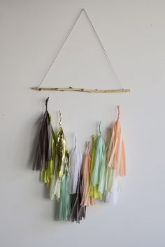 Tissue Tassel Nursery Mobile - How fab is this mod mobile from @paperfoxla? #nursery #mobile