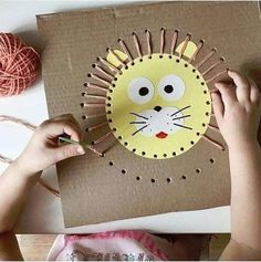 Artesanato e jogos para crianças Kids Crafts, Family Crafts, Toddler Crafts, Preschool Crafts, Toddler Activities, Arts And Crafts, Rock Crafts, Weaving For Kids, Sewing Cards