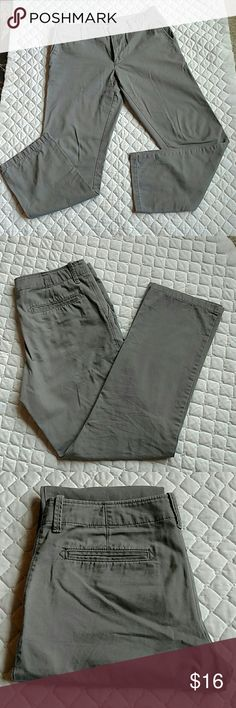 Old Navy straight pants grey 33 x34 Used but barely straight broken in edition pants.  Grey, comfy, no issues.  Best kind of pants! Old Navy Pants Chinos & Khakis