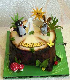 Tv, Cake, Desserts, Food, Friends, Tractor, Tailgate Desserts, Pie, Kuchen
