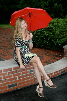 rain is falling   Dressed Up Alligators   A Boston Based Style Blog