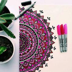 Mandala Doodle, Mandala Art Lesson, Mandala Artwork, Mandala Drawing, Doodle Art, Sharpie Drawings, Sharpie Art, Madhubani Art, Simple Acrylic Paintings