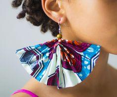 DIY big fan-shaped dangle African wax earring, check fayahfayah.com for instructions!