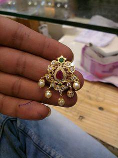 Jewelry Design Earrings, Gold Earrings Designs, Emerald Jewelry, Gold Jewellery Design, Beaded Jewelry, Pendant Jewelry, Diamond Jewelry, Jewelry Necklaces, Gold Bridal Earrings