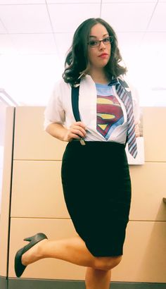 Clark Kent Halloween DIY Costume #DIYCostume #SuperMan  sc 1 st  Pinterest & Clark Kent Superman Halloween Costume Idea for Women - Riedell Party ...
