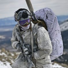 Navy SEALs during winter warfare exercise in Mammoth Lakes, CA Photo courtesy of DVIDS.