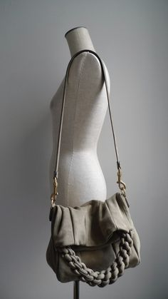 This bag/ Love the idea of this bag . Would like to construct my own version of this !