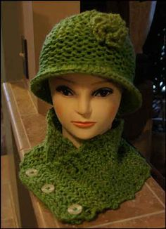 Altered Scrapbooking: Loom Knit Scarflet and Hat